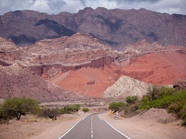 Hacia los Andes, Salta